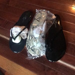 Brand new ladies slippers in different colors